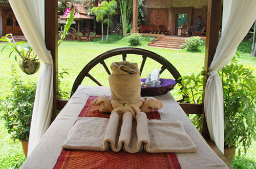 Apsara Angkor Resort & Conference Massage In garden