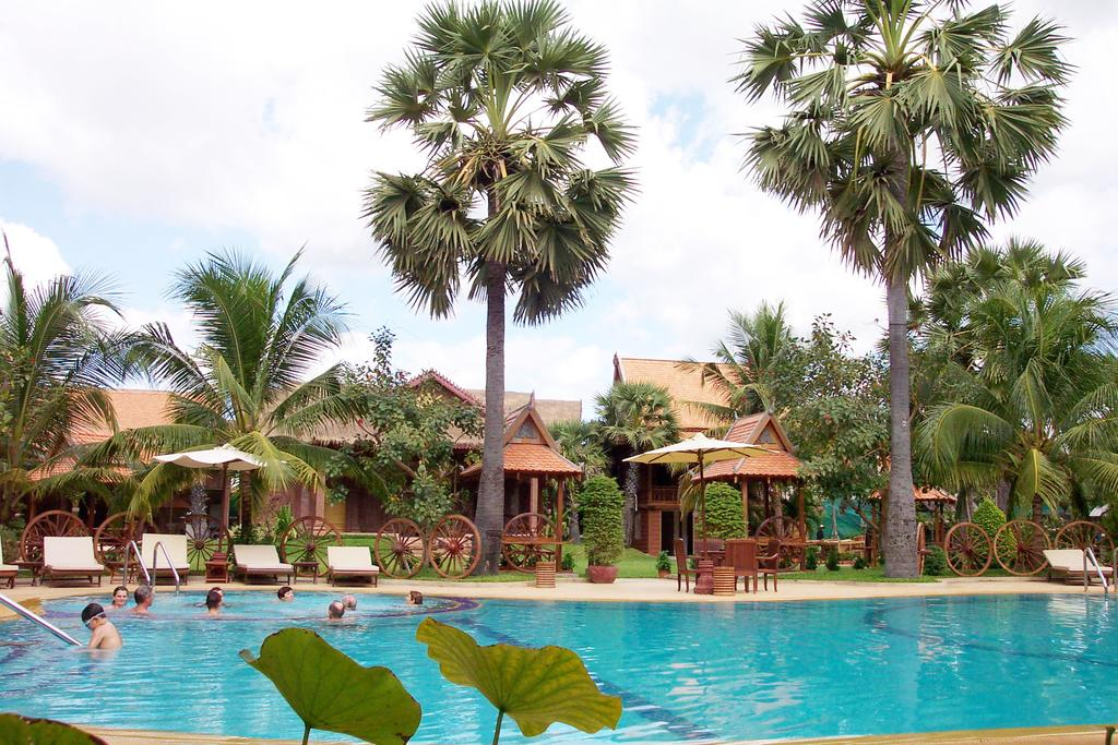 Apsara Angkor Resort & Conference Swimming Pool
