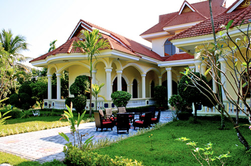 Baca Villa Guesthouse - front view