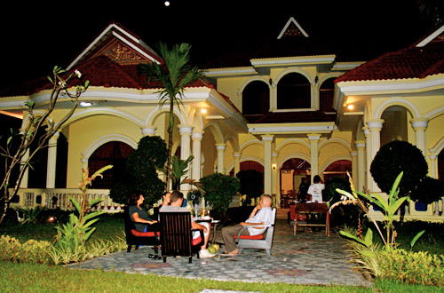 Baca Villa Guesthouse - Relax at Night