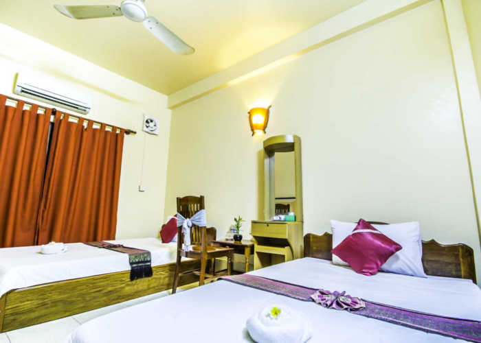Bou Savy Guesthouse Twin Air-Con Room