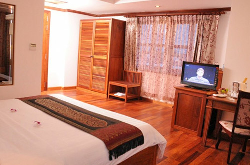 Cheathata Angkor Hotel Suite Room