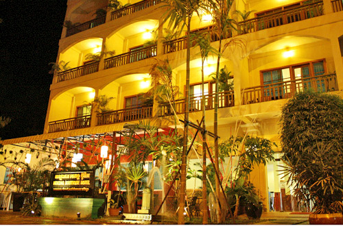 Mekong Boutique Hotel Front View At Night Time