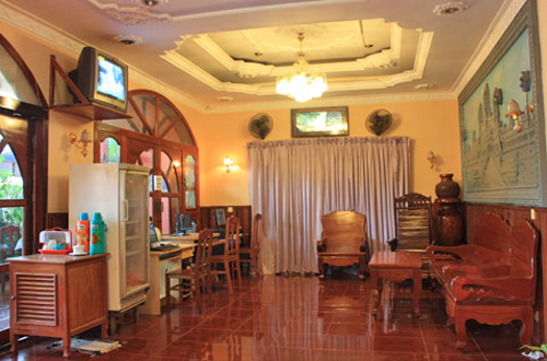 Ponloue Angkor Guesthouse Lobby