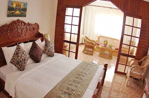 Reaksmey Chanreas Hotel Deluxe Room With Balcony