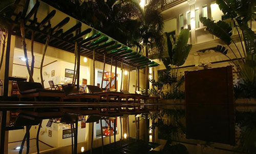 Tanei Guesthouse Pool At Night Time