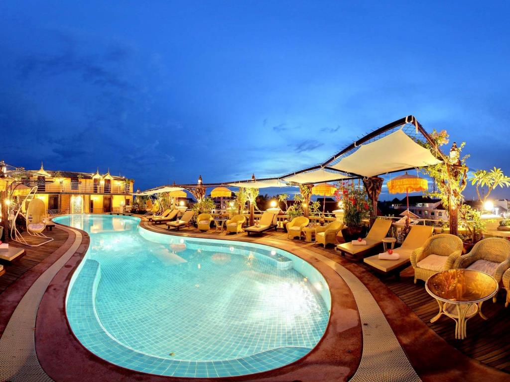 Terrasse des Elephants Hotel & Restaurant Pool View