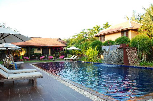 The Pool and Palm Villa Swimming Pool