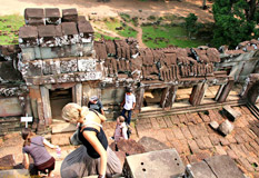 Travel to Phimeanakas