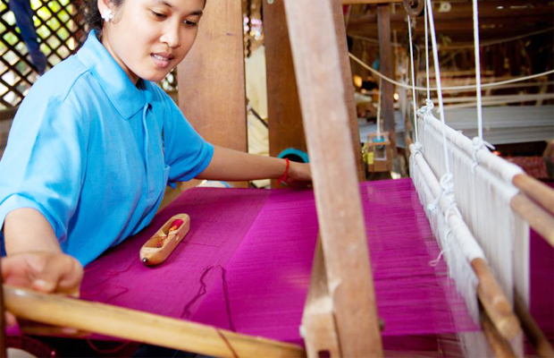 Angkor Silk Farm Hand Made - Angkor Focus Travel