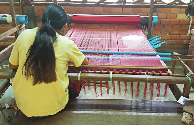 Angkor Silk Farm Khmer Hand Made - Angkor Focus Travel