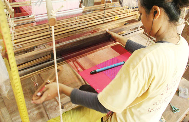 Artisans D'Angkor - Silk Farm - Angkor Focus Travel
