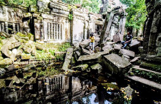 Beng Mealea Dragon Stone - Angkor Focus Travel