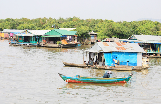 Chong Kneas Floating Village People Life - Angkor Focus Travel