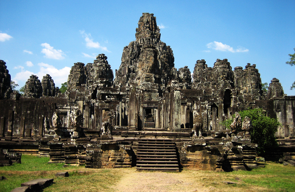 Introduction to Siem Reap Bayon Temple - Angkor Focus Travel