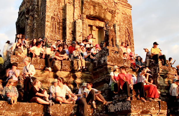 Phnom Bakheng Sunset Traveler - Angkor Focus Travel