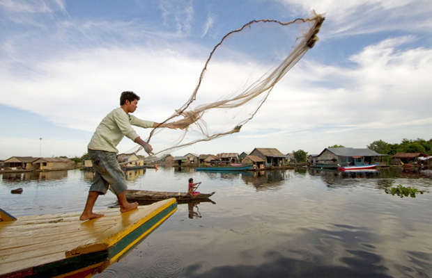 Tonle Sap Fisher - Angkor Focus Travel