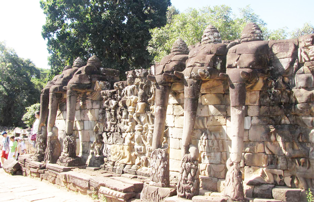 Tour to Elephant Terrace - Angkor Focus Travel