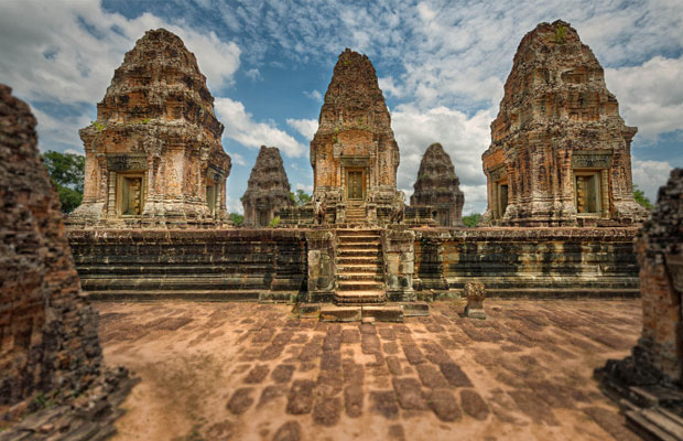 Travel to East Mebon Temple