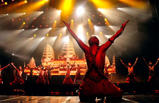 pic-smile-of-angkor---culture-show.jpg