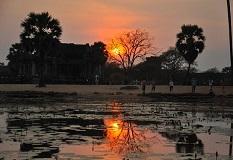 sunrise-angkor-wat.jpg
